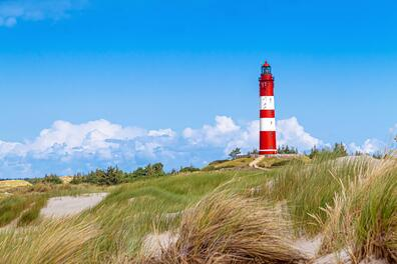 Lighthouse_AdobeStock_285483914