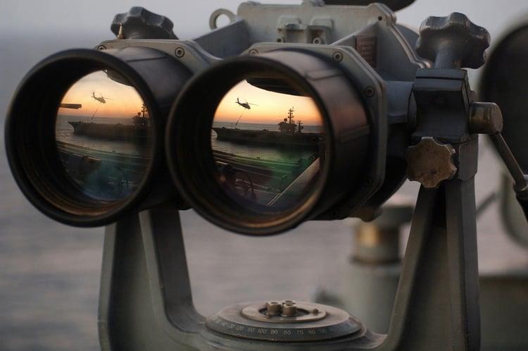 binoculars-67535_1280 pixabay.jpg
